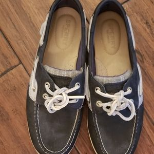 Black and White Sperrys size 6.5